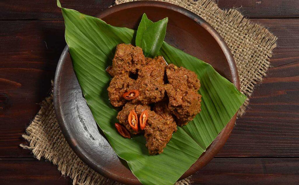 Indonesian Dry Chilli Beef (Dendeng Berlado)